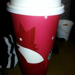 Photo taken at Starbucks by Eunice C. on 11/24/2012