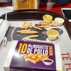 Photo taken at McDonald's by Shevyga H. on 4/10/2015