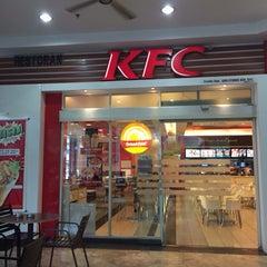Photo taken at KFC by Mira I. on 1/8/2016