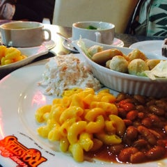 Photo taken at Kenny Rogers Roasters (KRR) by Syahmina A. on 6/30/2015