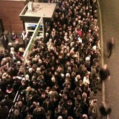 Photo taken at Zincirlikuyu Metrobüs Durağı by 3 i r C o on 1/14/2013