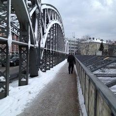Photo taken at S Hackerbrücke by paul s. on 2/20/2013