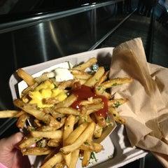 Photo taken at Gilroy Garlic Fries by Lu M. on 7/9/2013
