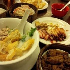 Photo taken at Hong Sin Restaurant by Maria J. on 9/3/2015