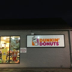 Photo taken at Dunkin' Donuts by Jo  G. on 5/19/2013