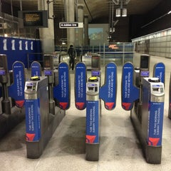 Photo taken at Canary Wharf London Underground Station by Alan B. on 1/11/2013