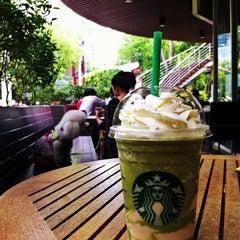 Photo taken at Starbucks (สตาร์บัคส์) by 🌀PlaKlap🔆ng🌀 on 7/7/2013