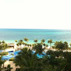 Photo taken at Hotel Riu Caribe by Fernanda F. on 1/30/2013