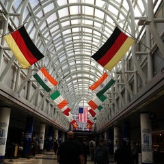 Photo taken at Chicago O'Hare International Airport (ORD) by Lucy R. on 10/6/2012