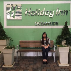 Photo taken at Holiday Inn Va Beach-Oceanside (21st St) by Arielle A. on 3/6/2015
