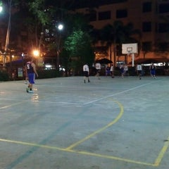 Photo taken at Basketball Court Prima Avenue (PADI) by Paulo O. on 4/6/2014