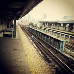 Photo taken at MTA Subway - 33rd St/Rawson St (7) by olga p. on 6/28/2013