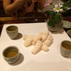 Photo taken at 산촌 (山村, Sanchon Temple Cooking) by Matilda W. on 7/8/2014