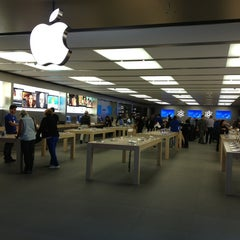 Photo taken at Apple Store, Anchorage 5th Avenue Mall by Chelsea P. on 8/13/2013