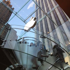 Photo taken at Apple Store, Fifth Avenue by Henrique L. on 5/12/2013