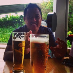 Photo taken at The Pit Restaurant & Bar by Nipuna P. on 9/14/2014