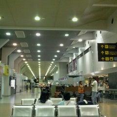 Photo taken at Aeropuerto Internacional Viru Viru (VVI) by Junior F. on 2/15/2013
