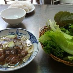 Photo taken at Bún Chả Hồ Gươm - Điện Biên Phủ by Tri B. on 3/23/2013
