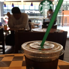 Photo taken at Starbucks 星巴克 by Daisuke S. on 6/15/2015