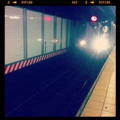 Photo taken at MTA Subway - L Train by Kirsten P. on 11/26/2012