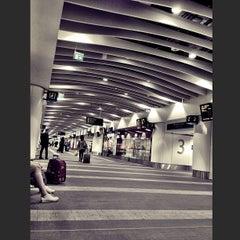 Photo taken at Birmingham New Street Railway Station (BHM) by Desmond C. on 6/2/2013