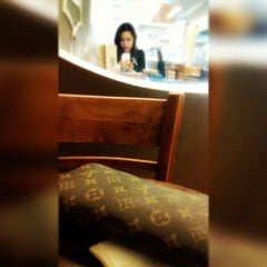 Photo taken at J.Co Donuts & Coffee by Euodia Chrishera L. on 9/16/2014