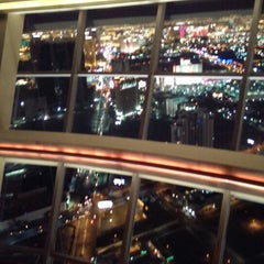 Photo taken at Level 107 Lounge by Danny M. on 11/8/2013