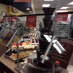 Photo taken at Golden Corral by Rob A. on 8/22/2015