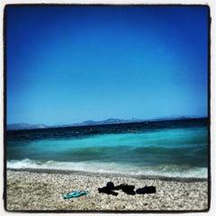 Photo taken at Παραλία Ζούμπερι by Stelios G. on 7/28/2013