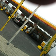 Photo taken at Shell De Lucht-Oost by Wim v. on 3/30/2012
