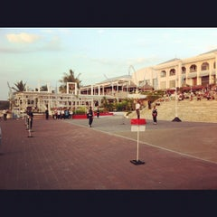 Photo taken at Discovery Shopping Mall by Frederick K. on 8/19/2012