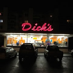 Photo taken at Dick's Drive-In by Lonnie R. on 2/29/2012