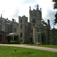 Photo taken at Lyndhurst by Johanna W. on 6/2/2012