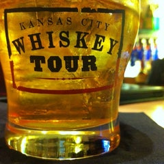 Photo taken at Maker's Mark Bourbon House & Lounge by Vid W. on 6/21/2012