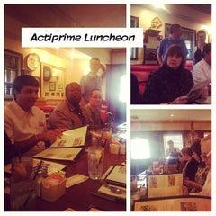 Photo taken at Mimi's Cafe by Sandra E. on 8/22/2012