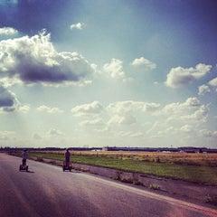 Photo taken at Tempelhofer Park by avtoportret on 7/4/2012