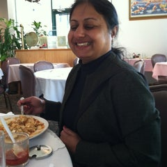 Photo taken at Pearl Garden Restaurant by Hiten V. on 5/16/2012