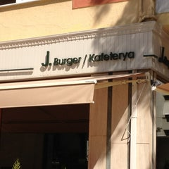 Photo taken at Jumbo Burger by Sinan B. on 7/1/2012