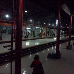 Photo taken at Stasiun Kroya by Arifin Z. on 8/16/2012