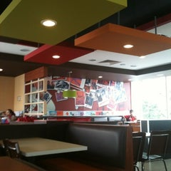 Photo taken at KFC by Raul R. on 8/11/2012