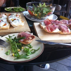 Photo taken at Aperitivo 意式餐吧 by Elina C. on 4/13/2012