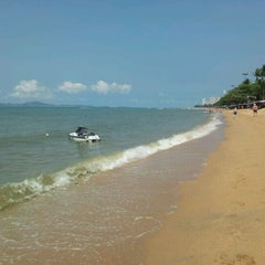 Photo taken at RS Sea Side Hotel Pattaya by Alexander M. on 2/25/2012