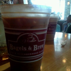 Photo taken at Bagels & Brew by Rebecca V. on 5/12/2012