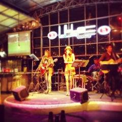 Photo taken at Blar Blar Bar (บลา บลา บาร์) by Pai C. on 12/29/2012