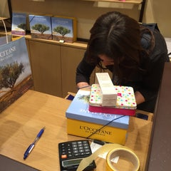 Photo taken at L'Occitane by 💎МАЛИНА💎 on 11/4/2015