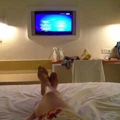 Photo taken at HARRIS Hotel Tuban Bali by Skin Doctor C. on 7/26/2014
