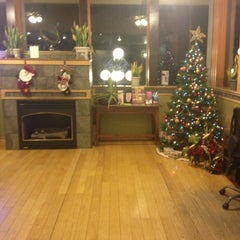 Photo taken at Hotel Aspen InnSuites Flagstaff/Grand Canyon by Blondi on 12/11/2012