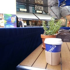 Photo taken at Carluccio's by Nasser A. on 10/27/2014