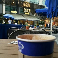 Photo taken at Carluccio's by Nasser A. on 7/24/2015