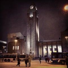 Photo taken at VR Helsingin päärautatieasema by Ossi T. on 1/27/2013